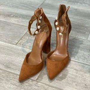 EUC sz 8 1/2 shoe republic LA cognac & pearl heel